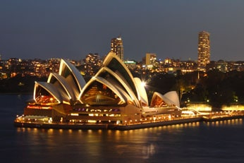 OPTION: AN EVENING AT THE  SYDNEY OPERA HOUSE